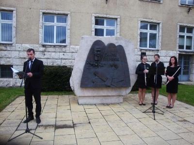 Pietna spomienka pri príležitosti 98. výročia úmrtia Gen. M. R. Štefánika v SNV [04.05.2017]