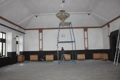 Maľovanie tanečnej sály KD  [26.11.2015]