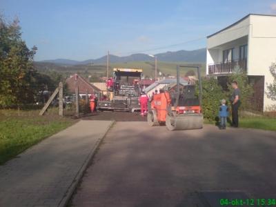 Oprava pristupovej cesty k školám zo žel.ulice [09.12.2012]