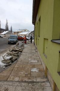 Rekonštrukcia chodníka na Hviezdoslavovej ulici [14.12.2017]